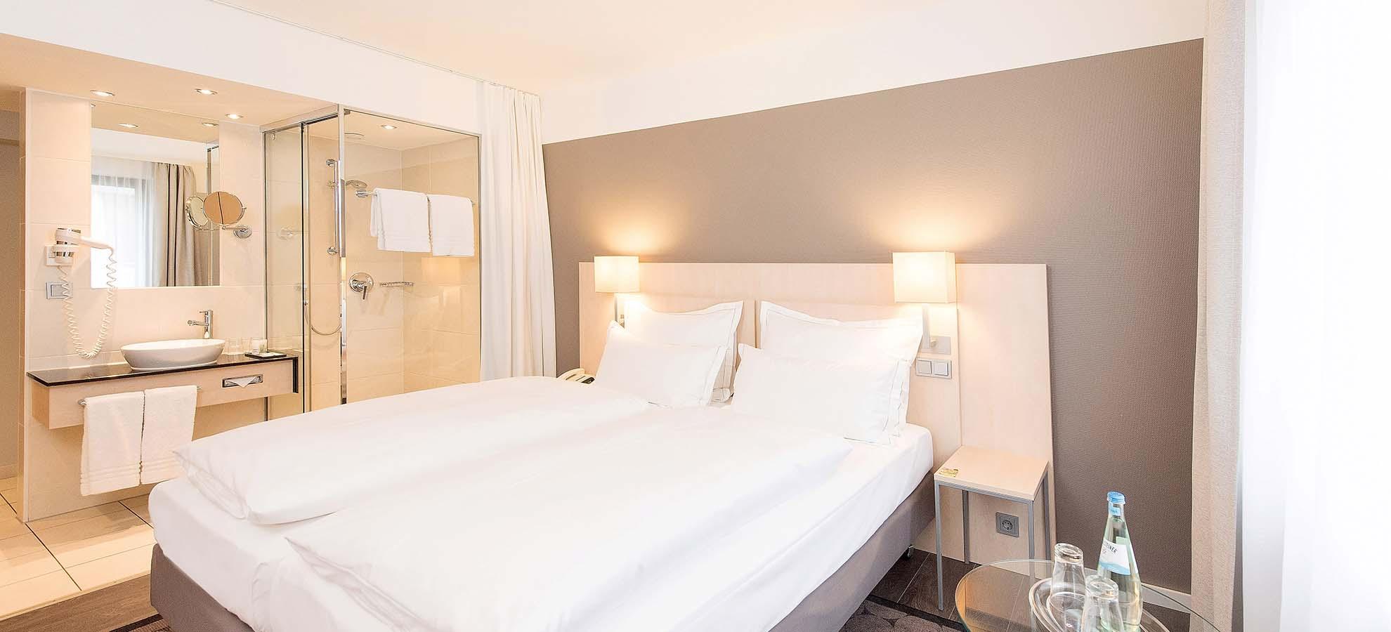 Hotel Lyskirchen Standard Zimmer / Standard Room